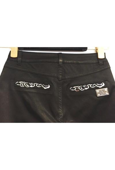 Dodona 1385 Tasarım Payetli Siyah Kısa Pantolon