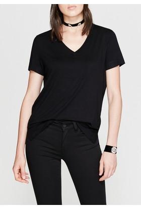 Mavi Kadın V Yaka Siyah Tshirt