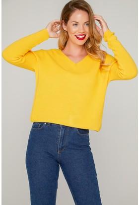 V Yakalı Sarı Bayan Kazağı