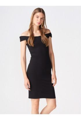 Dilvin 9886 Düşük Omuz Strech Elbise Siyah