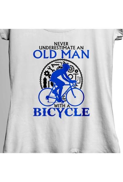 Kendim Seçtim Never Undersestimate An Old Man With A Bicycle Kadın Tişört