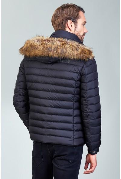 AVVA Siyah Erkek Düz Uzun Kol Normal Fit Kürklü Kapüşonlu Mont A82Y6076
