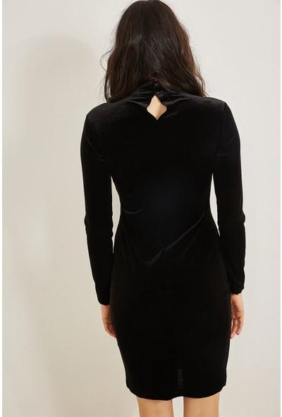 Lafaba Siyah Önü İnci İşlemeli Kadife Elbise
