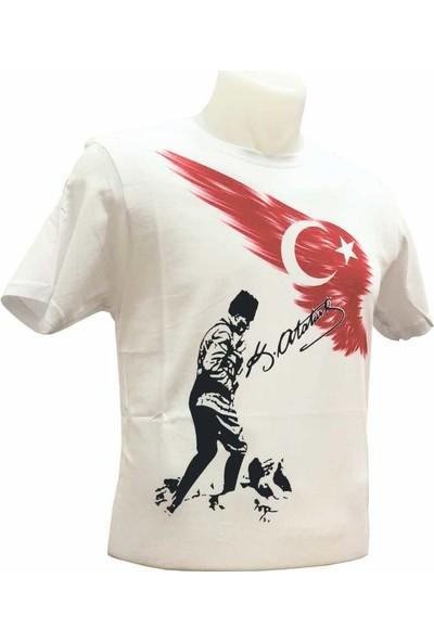 Gönder Bayrak Koca Tepe Atatürklü Ve Türk Bayraklı Tişört