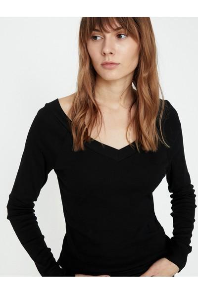Koton Kadın V Yaka T-Shirt