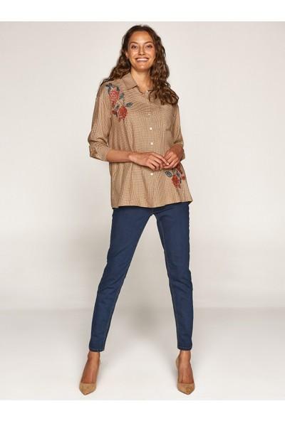 Faik Sönmez Kadın Nakışlı Ekose Gömlek 37354