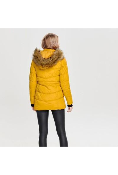 Only Mont Onlnewottowa Nylon Coat 15161175-Gol