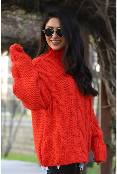 Açelya Okcu Fashion Balıkcı Yaka Kırmızı Saç Örgü Kazak