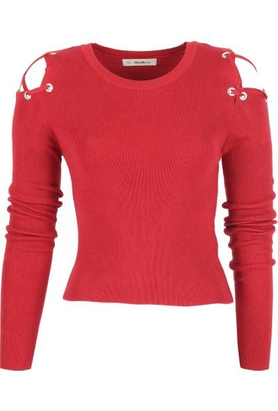 Açelya Okcu Fashion Omuzları Kuşgözü Detaylı Bordo Crop