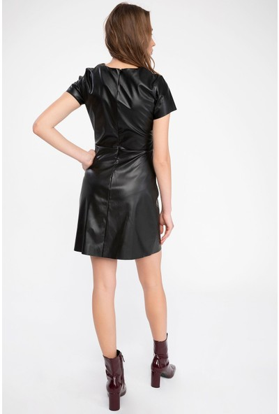 Defacto Kadın Kısa Kollu Deri Görünümlü Elbise