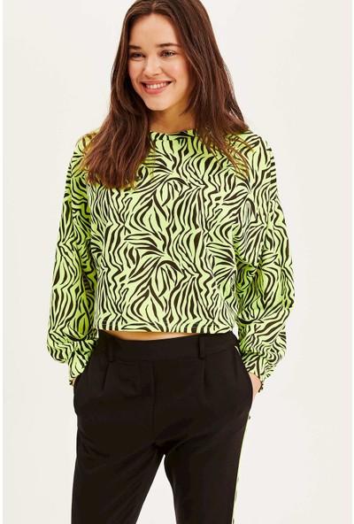 Defacto Kadın Balon Kollu Neon Zebra Desen Sweatshirt