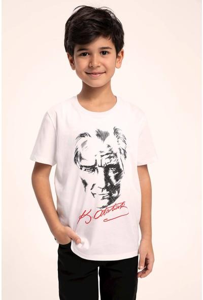 Defacto Erkek Çocuk 23 Nisan Atatürk Baskılı T-shirt