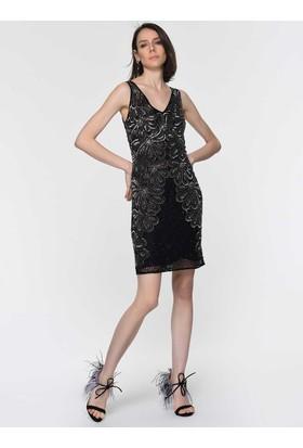 ad8e9526e3398 ... Roman İşlemeli Çiçek Desenli Siyah Abiye Elbise Y1961104001