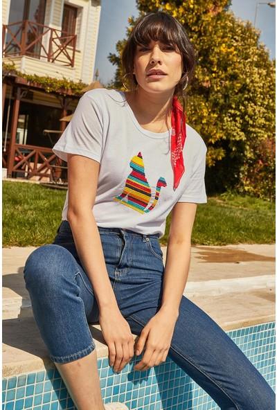 Lafaba Kadın Beyaz Nakışlı T-Shirt