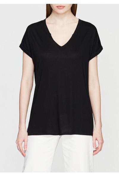 V Yaka Siyah Basic Tişört 167718-900