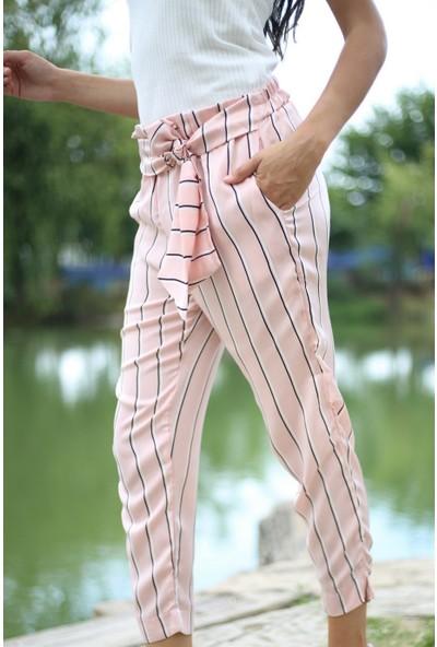Her Mod'a Bir Moda Çizgili Saten Kemerli Pantolon