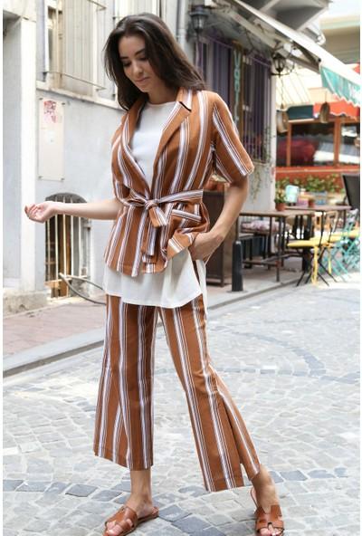 Her Mod'a Bir Moda Çizgili Keten Takım