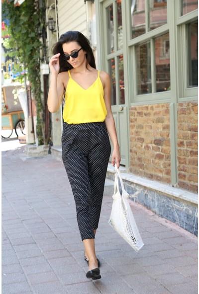 Her Mod'a Bir Moda Askılı Bluz