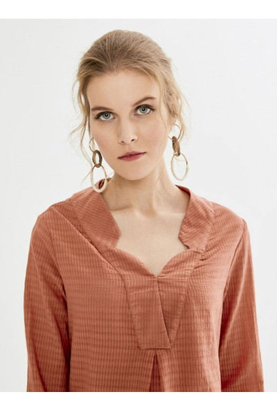 Xint Kadın Xint Anveleop Kapamalı Yaka Desenli Bluz