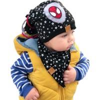 Babygiz Siyah Üstüne Yıldız Desenli Örümcek Adam Aksesuarlı Püskül Detaylı Bere Ve Boyunluk Takım