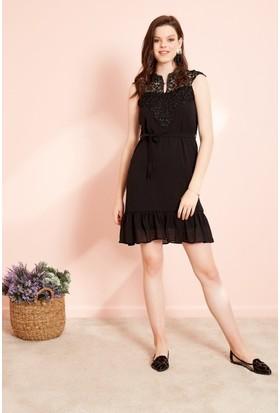 81875520f94ad Eka Kuşaklı Dantel İşlemeli Kolsuz Elbise-Siyah ...