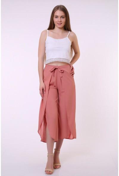 Bendee Collection Yazlık Kapaklı Bağlamalı Yırtmaç Detaylı Krinkıl Viskon Kadın Pantolon