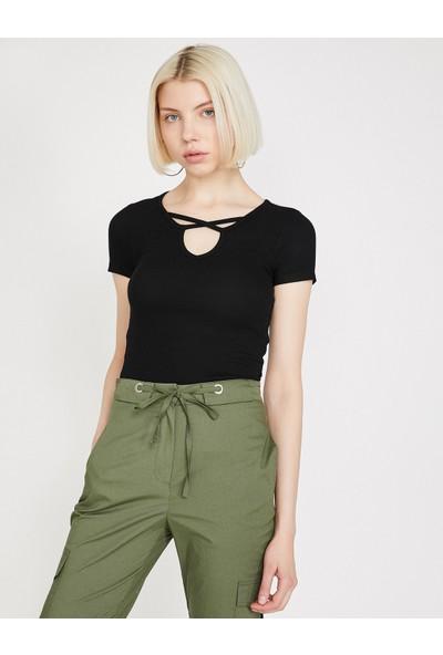 Koton Kadın Yaka Detaylı T-Shirt