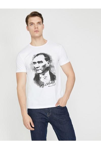 Koton Atatürk Baskılı T-Shirt