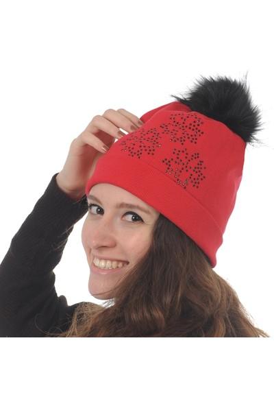 Butikgiz Kırmızı Renkli Taş İşlemeli Ponpon Aksesuarlı Bere