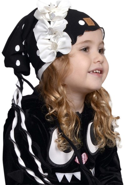Babygiz Siyah Üstüne Beyaz Puantiye Desenli Beyaz Ve Püskül Aksesuarlı Bere