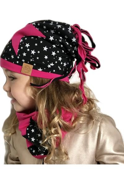 Babygiz Siyah Üstüne Beyaz Yıldız Desenli Fuşya Yıldız İşlemeli İp Detaylı Bere Boyunluk Takım