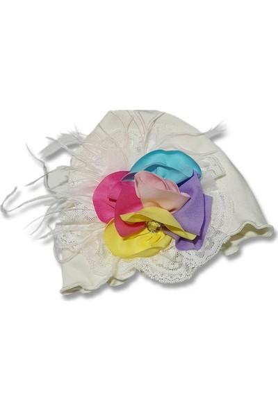 Babygiz Beyaz Üstüne Dantelli Renkli Çiçek Detaylı Şapka
