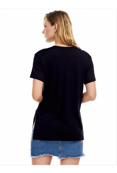 Ayyıldız Kadın 59507 Kısa Kollu Yırtmaçlı Tunik Siyah