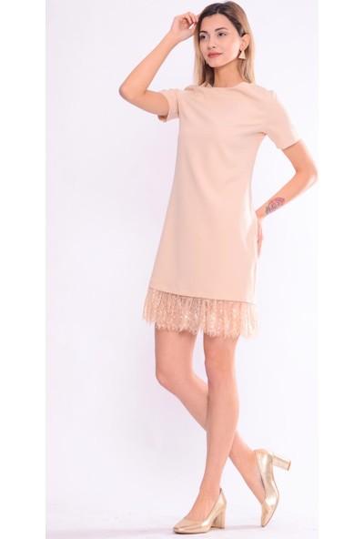 İroni Eteği Dantelli Açık Bej Elbise - 5243-891 Açık Bej