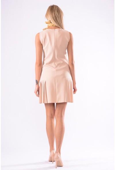 İroni V Yaka Kolsuz Pileli Elbise - 5246-891 Açık Bej