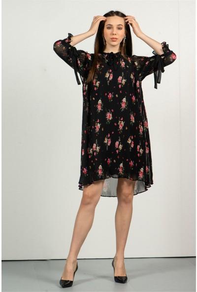 Livanomi Kadın Siyah Piliseli Çiçek Desenli Elbise