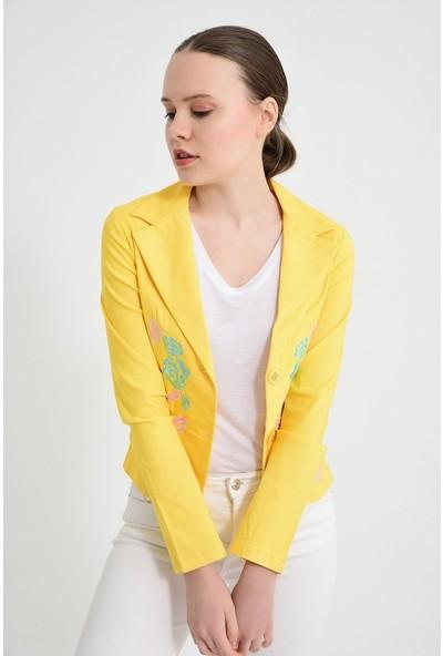 Maldia Sarı Gül Nakışlı Kadın Ceket