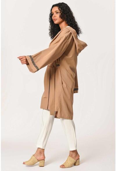 Mizalle Kapüşonlu Süs Taşlı Tunik Boy Ceket