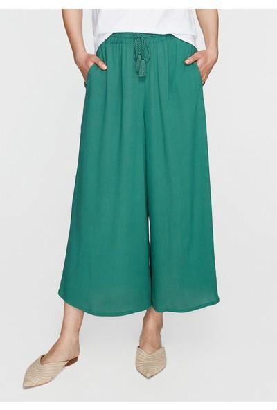 Mavi Beli Lastikli Yeşil Pantolon
