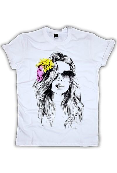Grafik Baskı Yuvarlak Yaka Fashion Baskı Desenli Kadın T-Shirt