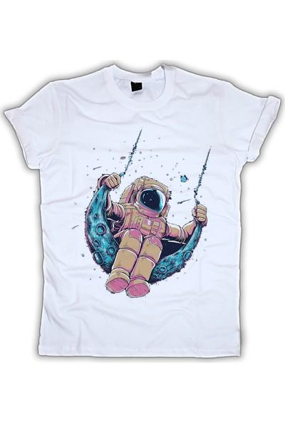 Grafik Baskı Yuvarlak Yaka Astronot Baskı Desenli Kadın T-Shirt