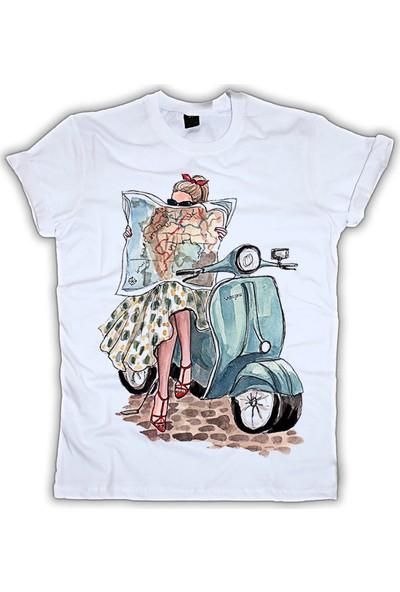 Grafik Baskı Yuvarlak Yaka Vespa Baskı Desenli Kadın T-Shirt