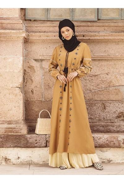 Nakış Detaylı Beli Bağcıklı Elbise - Karamel - Benin