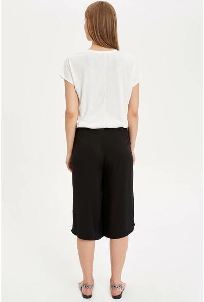 Defacto Kadın Rahat Kesim Kapri Pantolon