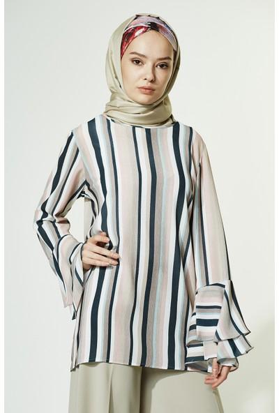 Soral Kadın Kolları Volanlı Bluz