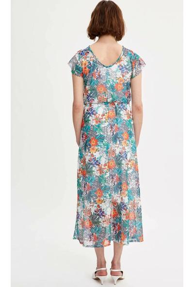 Defacto Kadın Kol Ucu Volanlı Çiçek Desenli Elbise