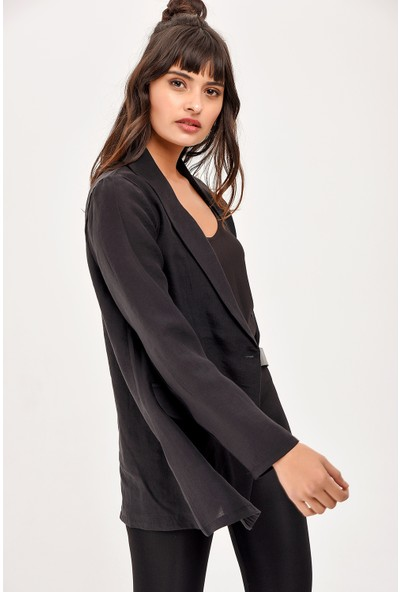 New Laviva Siyah Uzun Kollu Kadın Ceket