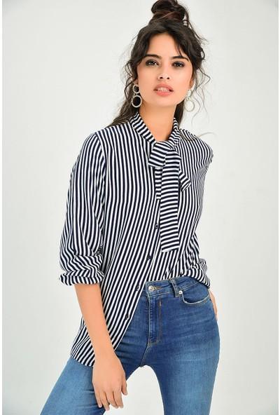 New Laviva Ekru Çizgili Yaka Esprili Kadın Gömlek