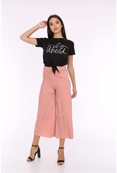 Her Mod'A Bir Moda Önden Bağlamalı T-Shirt