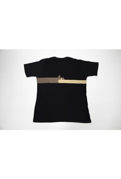 """Haluk Erkmen Tasarımı """"anadolu'da Bir Kızım Var"""" Baskılı T-Shirt"""
